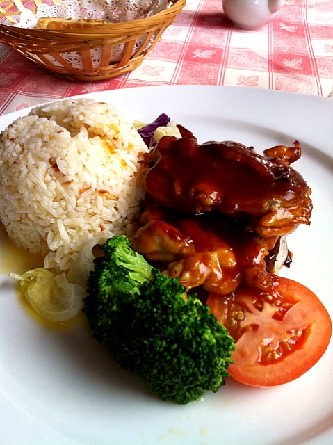 bbq boneless chicken with butter rice