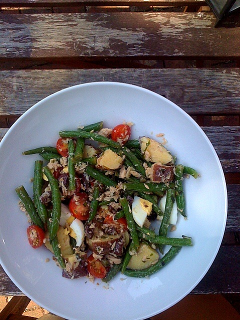 Nicoise salad with local potatoes, green beans + cherry tomatoes #eatlocaloh