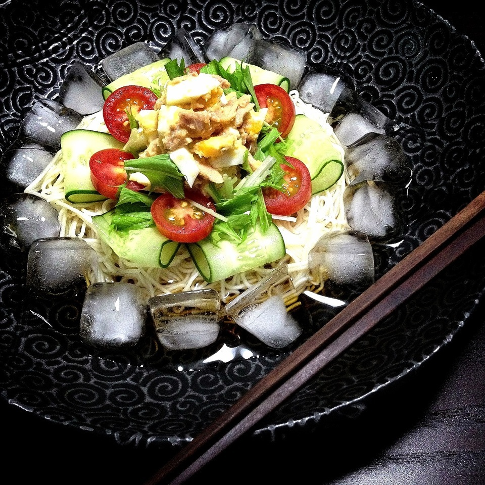 Ice salad thin wheat noodles
