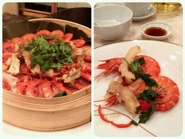Food tasting for my bro's wedding dinner - steamed live water prawns with Chinese herb in bamboo basket.