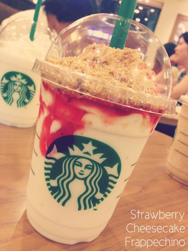 Strawberry Cheesecake Frappechino - Starbucks