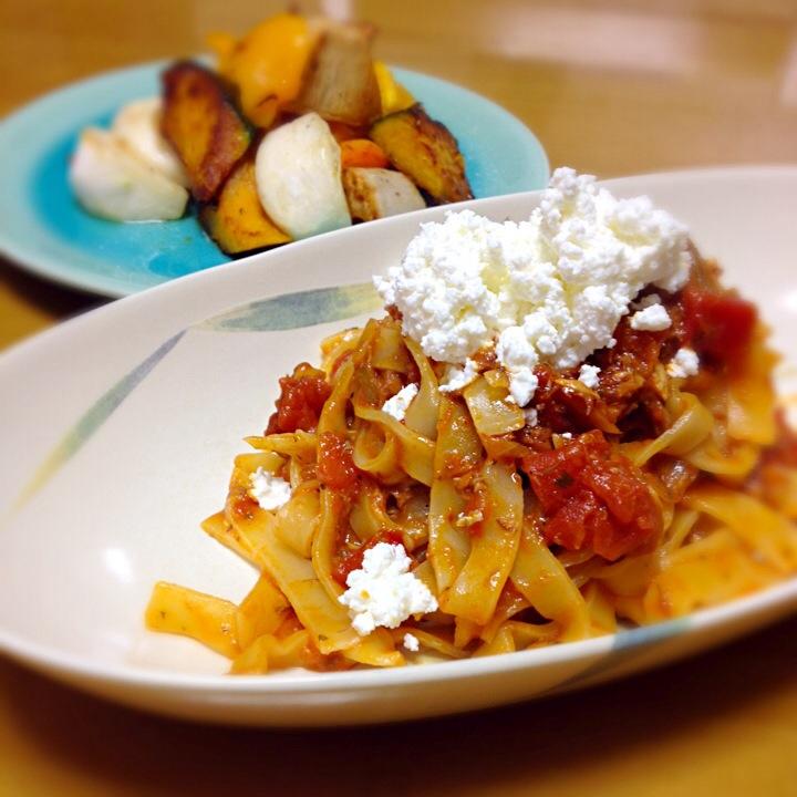 けいちゃんのお母さんレシピ鯖味噌煮缶トマトソースでフェットチーネ♡ 根菜ホット