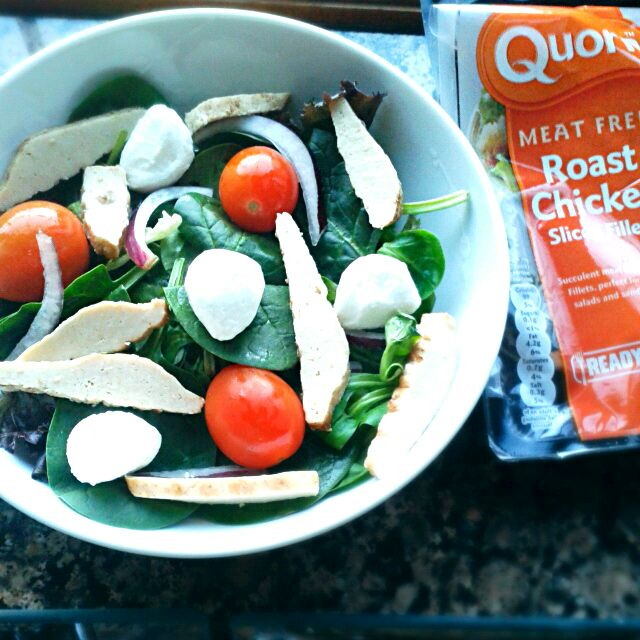 mozzarella & Quorn chicken salad yum