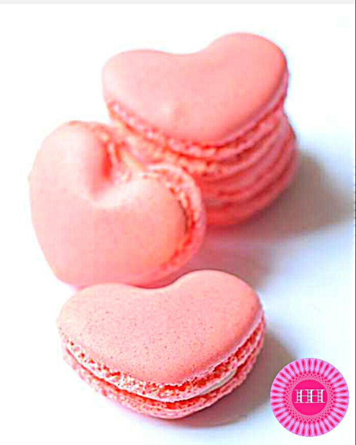 Heart Shaped Raspberry Macarons with white chocolate ganache filling #macarons #sweets #baking #raspberries #white #chocolate #ganache #pink