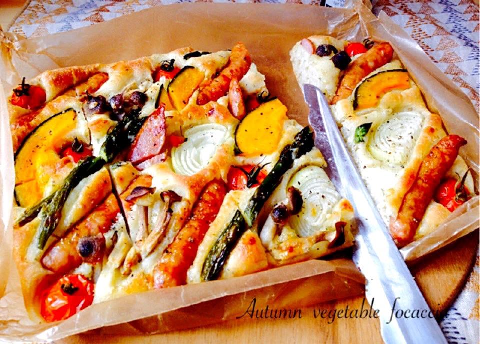 秋野菜のフォカッチャ\u2025ホーローバット焼成