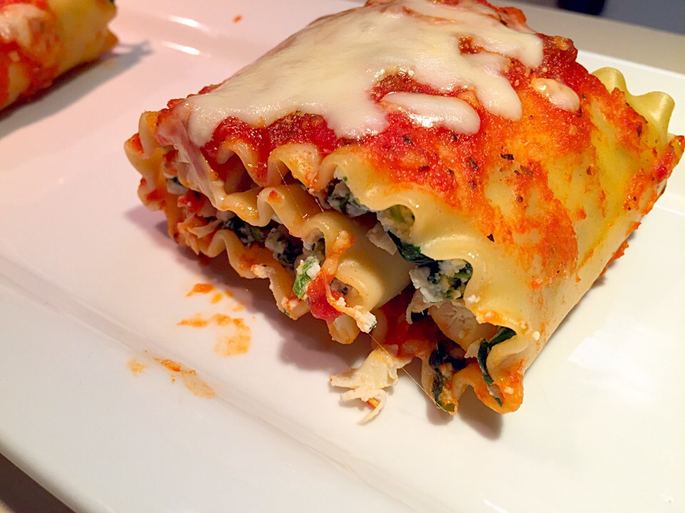 Crab and Spinach Lasagna Roll