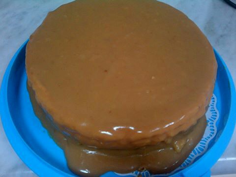 Real Deal Caramel Cake For the Cake 1 cup (2 sticks) unsalted butter, room temperature 1/3 cup vegetable oil 2 1/2 cups granulated sugar 3 cups sifted cake flou