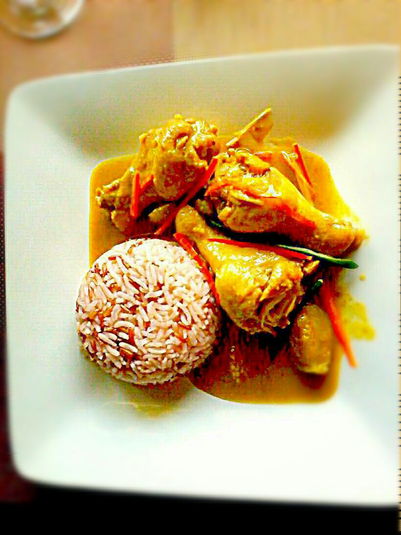 タイのチキンカレー Thai Chicken Legs Curry w/ Purple Rice Platter ✔
