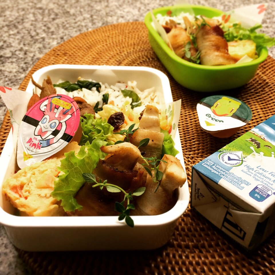 Lunch on Tuesday, Bamboo Shoot Roll with UmeSiso(Japanese plum and basil).  たけのこの梅しそ巻き弁当、火曜日。