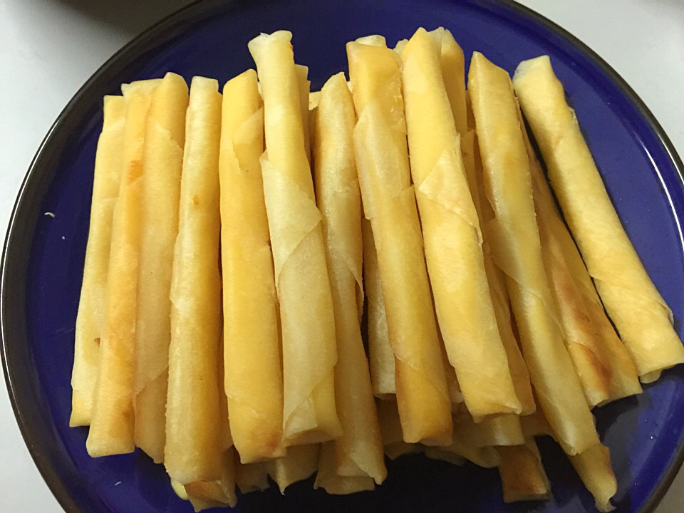 Cheese stick roll