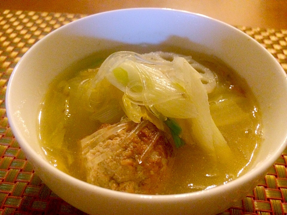 Chinese cabbage soup of vermicelli &meat balls♨️清湯肉丸・肉団子と春雨の白菜スープ