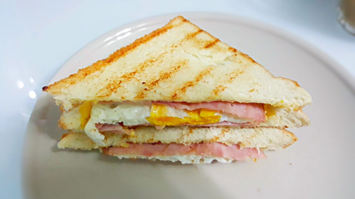 Breakfast for Hubby 😍💁💋👅💞 Grilled butter sandwich with ham fried egg and cheddar cheese * no mayo*😀
