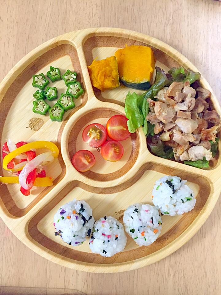 さな飯(照り焼きチキン かぼちゃの煮物 パプリカとツナのマリネ オクラ