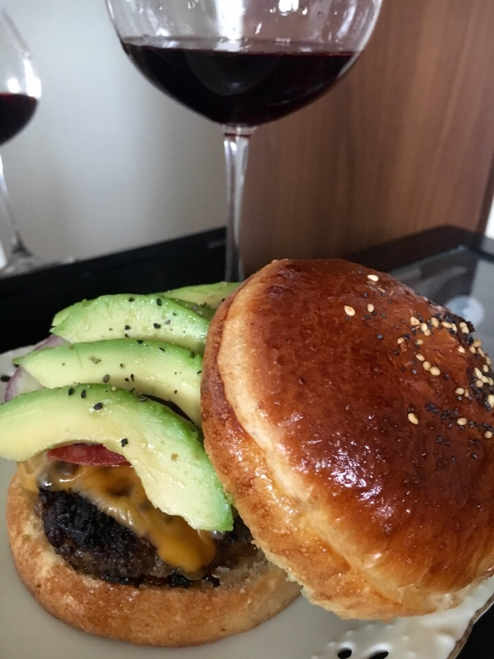 Za'atar spiced lamb burger with homemade whole grain brioche bun*全粒粉ブリオッシュ ラムバーガー