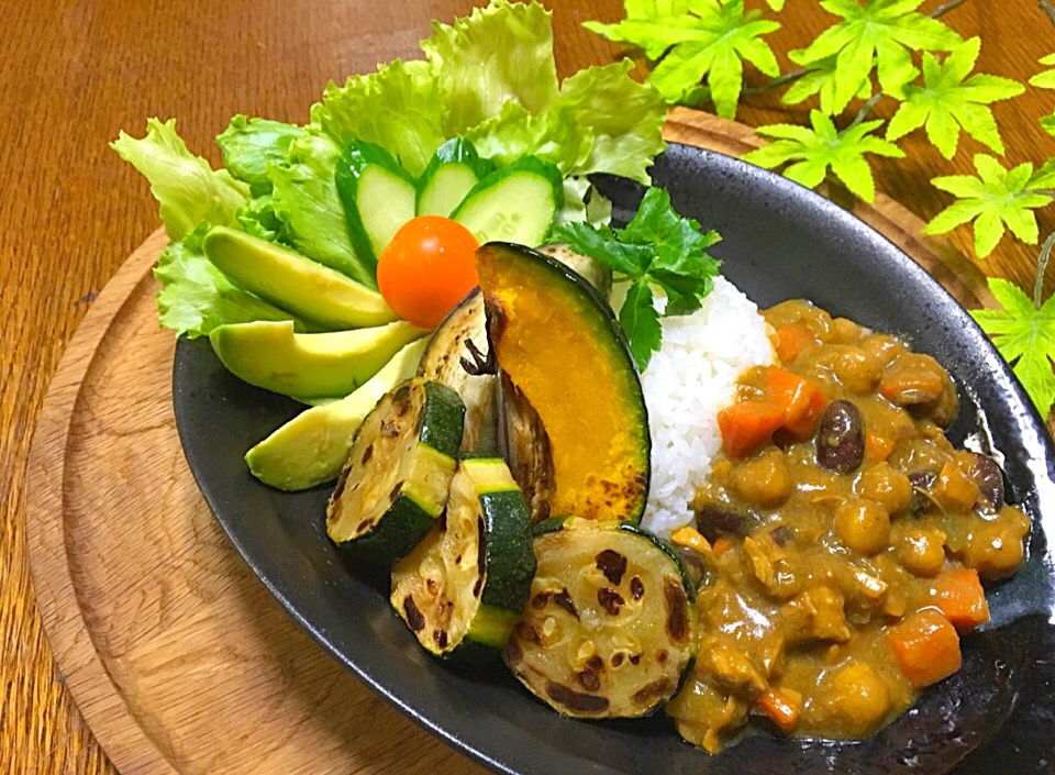 ✨Chickpeas & red beans Curry for dinner...豆カレーと野菜たっぷりの晩ご飯✨