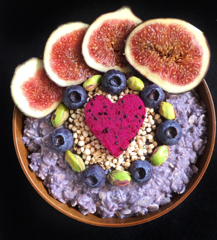 Maqui oats with fruits