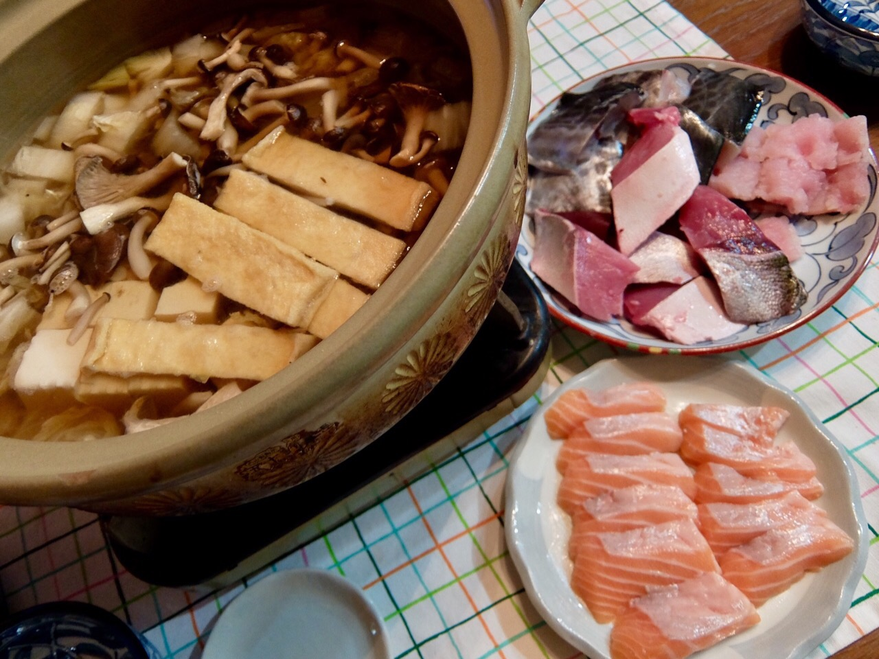 2017/08/11 #dinner with dad and mom Salomon sashimi, Yellowtail, Spanish mackerel and conger pike hot pot (サーモンの刺身、鰤・鰆・鱧のお鍋)