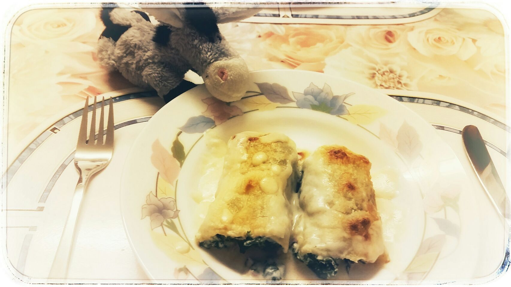 Little donkey's favourite: Selfmade Pasta filled with Ricotta, Ham, Spinach gratinated with Béchamel sauce and Parmesan cheese
