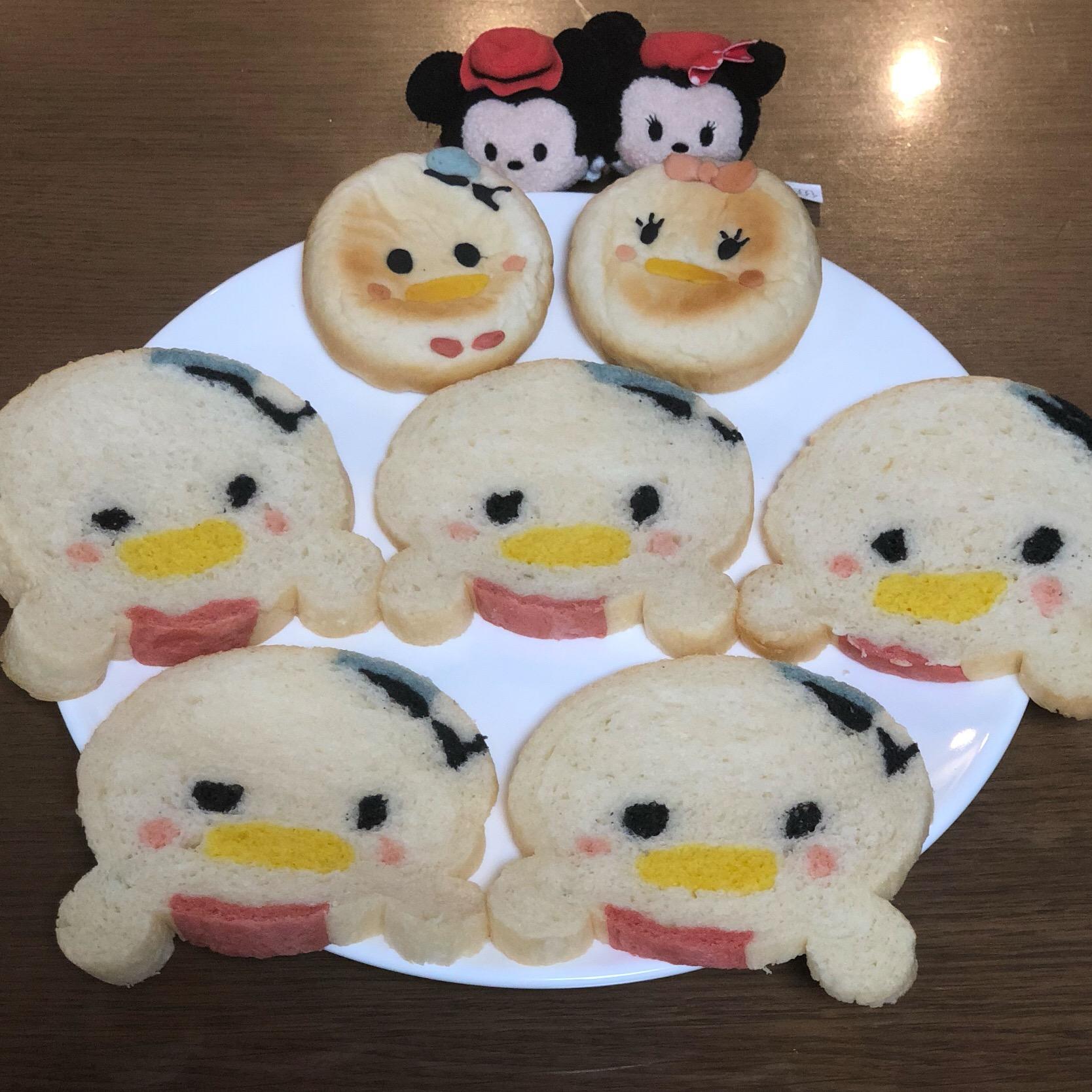 ドナルド誕生日おめでとうツムツムドナルドのイラストパンとあんパン