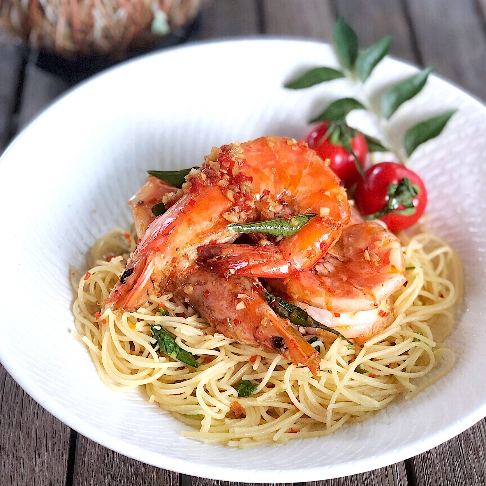 Spicy aglio olio with lemongrass prawns