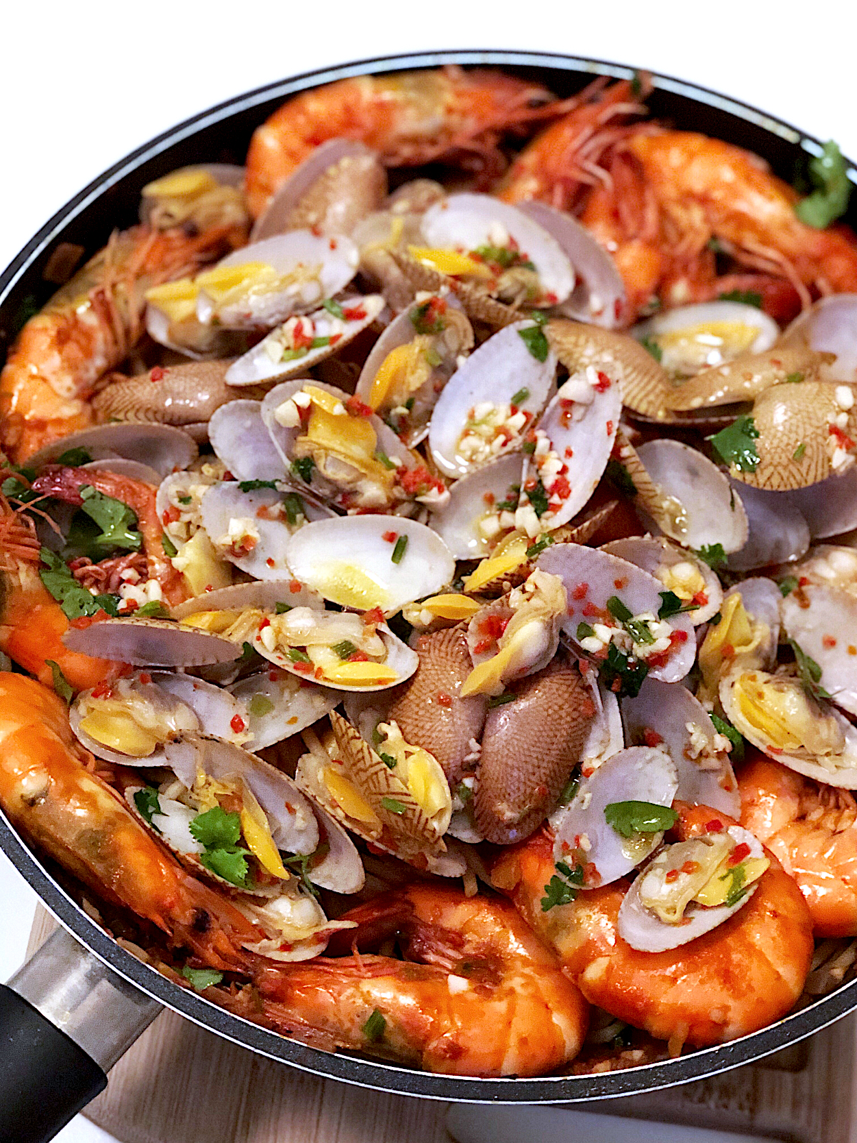 Seafood marinara with clams and prawns