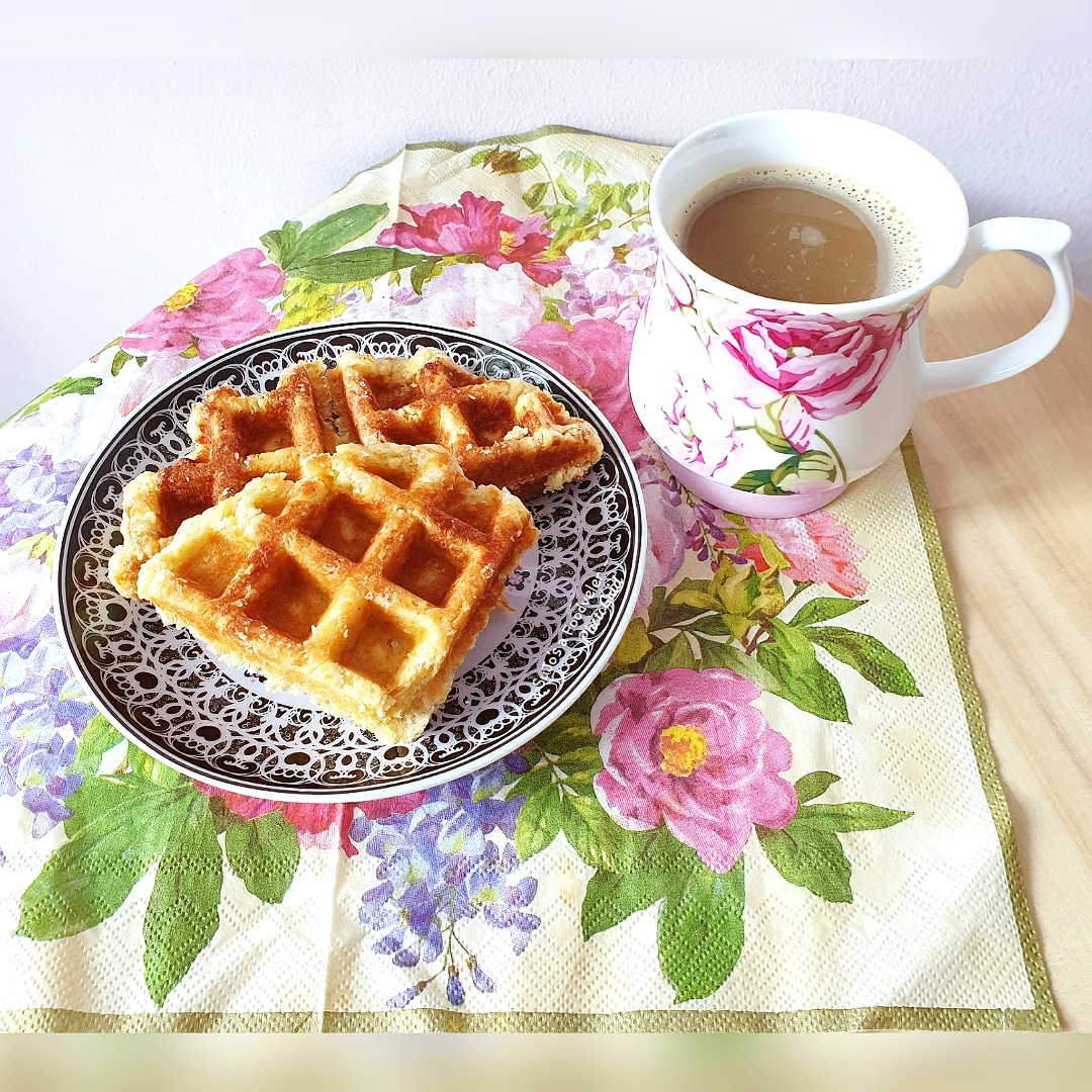 Sometimes all we need is a cup of coffee, sweet waffles and flowers ~ SuJo