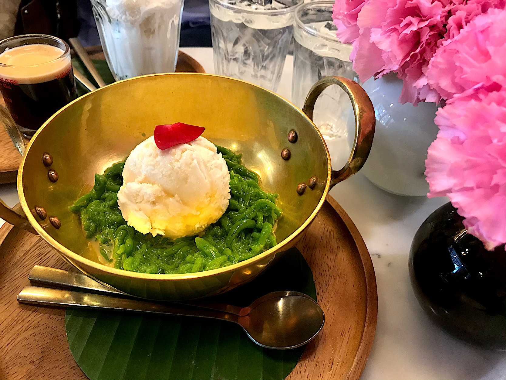 Lod Chong with coconut milk ice-cream