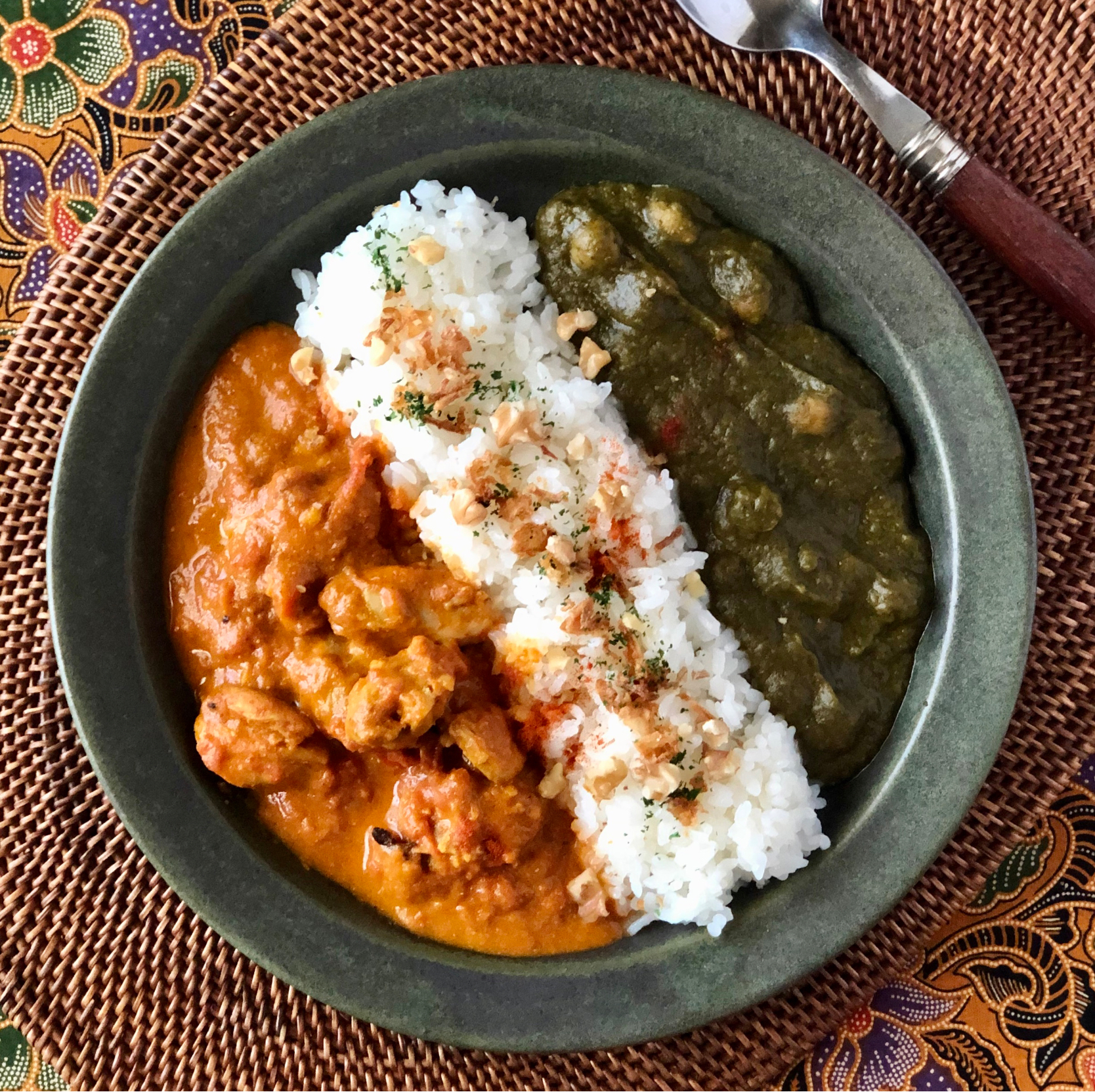 バターチキンカレー&サグダールカレー Butter chicken curry, spinach and bean curry