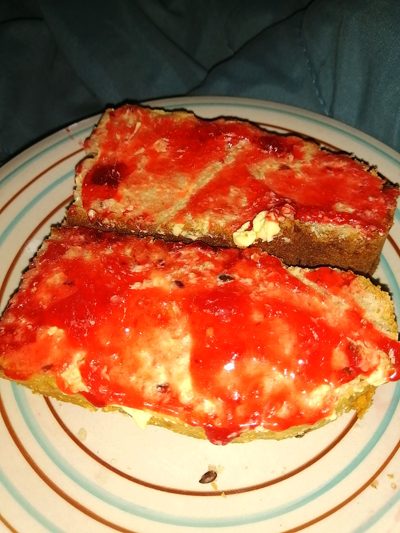 Flaxseed bread with jam