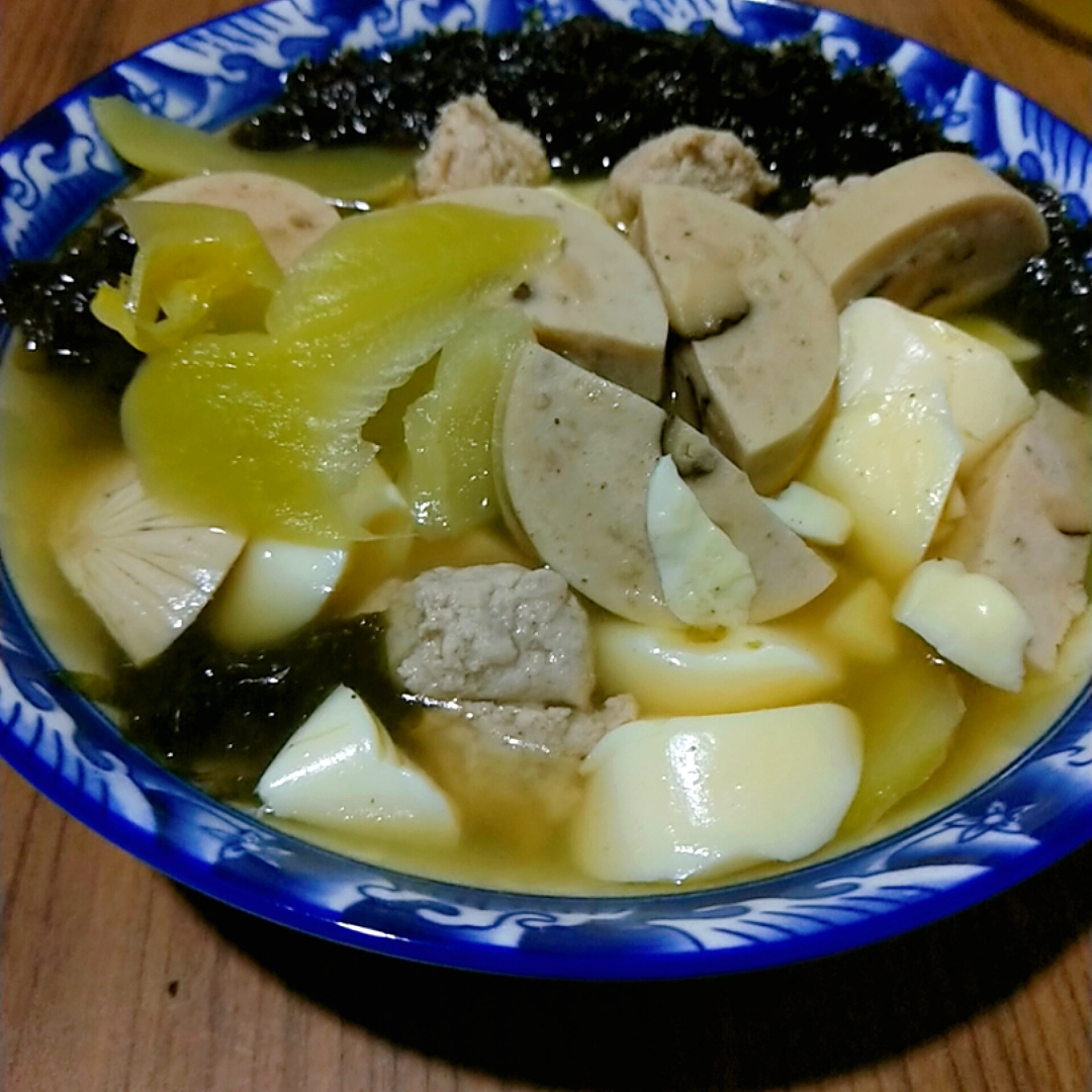 Tofu and Seaweed Soup